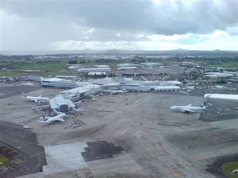 Scow Auckland by Auckland Airport