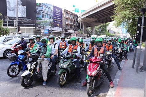Grab Expands Services In Partnership With Bangkok's Motorbike Taxi Riders