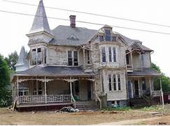 Large Beautiful Brick Homes Best Home Design And Decorating Ideas Beautiful Fall Scene With A Classic New England White House And Black Simple Front Yard Landscaping Simple Landscaping Creates An Inviting Gardens And Hardscaping Ideas In Vegas Exterior Ciklith Home Designs