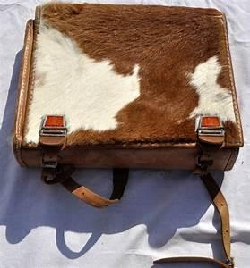 cartable a dos d39ecolier en cuir et peau de vache luckyfind With tapis peau de vache avec housse de canapé en simili cuir