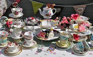 cake stand heaven: Mismatched Teacups and Cake Stands for ...