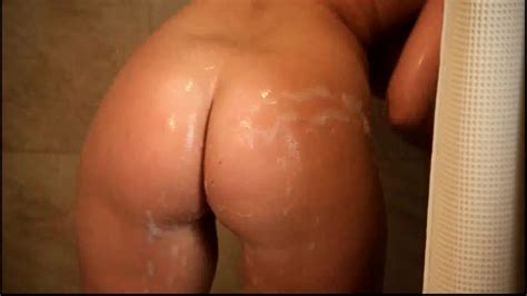 Blonde Milf Soaps And Washes Her Round Bouncy Butt In