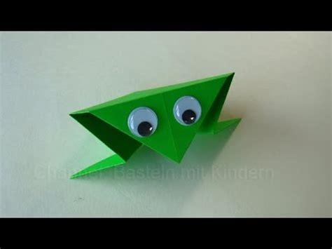 einfaches basteln mit kindern origami frosch falten basteln mit kindern papier falten einfaches origami diy