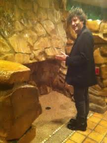 Madonna Inn Mens Bathroom by Neil Gaiman Looking At The Urinal In The Men S Celob