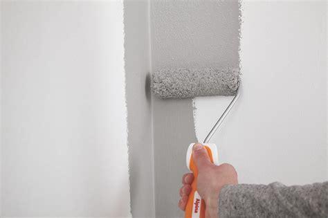 Wand Gleichmäßig Streichen by Richtig Streichen Alpina Farben Richtig Abkleben Vor Dem