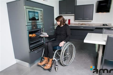 cuisine pour une personne electroménager adapté aux personnes handicapées pmr et