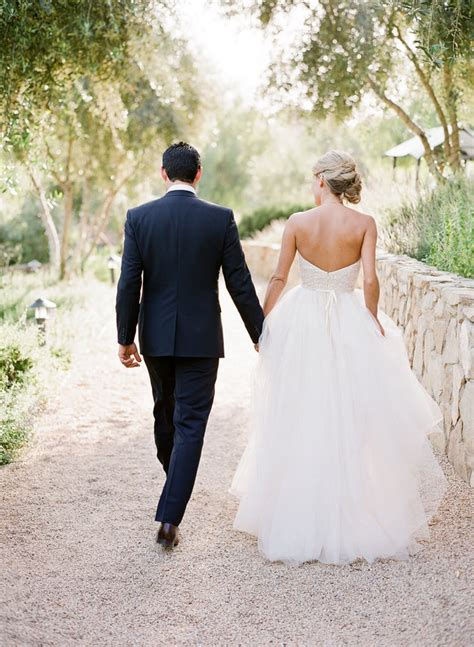 walking   wedding dress pictures youll regret