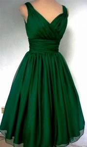 pantone39s color of 2013 emerald green beautiful green With emerald wedding dress