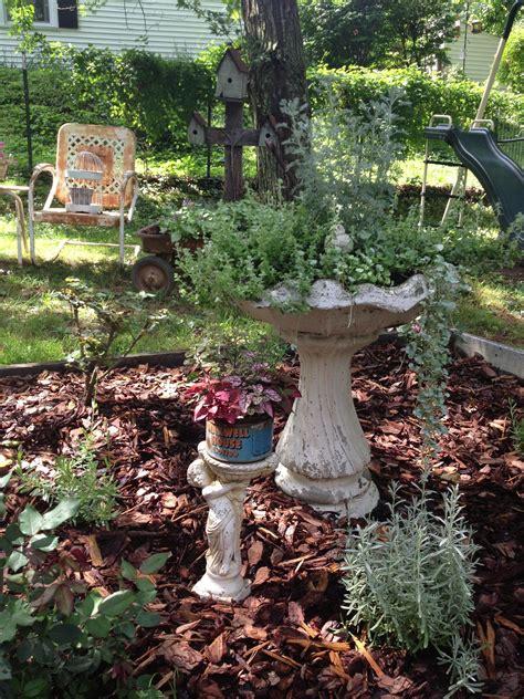 pinterest garden junk ideas photograph decorating  gard