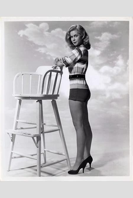 Elizabeth Montgomery, 1950s : OldSchoolCool