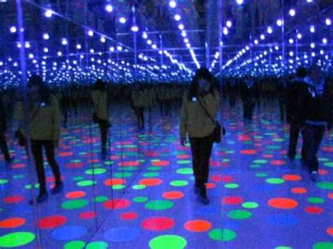 infinity dots mirrored room   yayoi kusama youtube