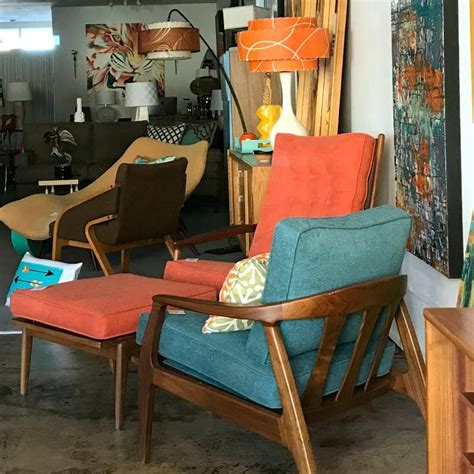 palm springs thrift stores vintage shopping