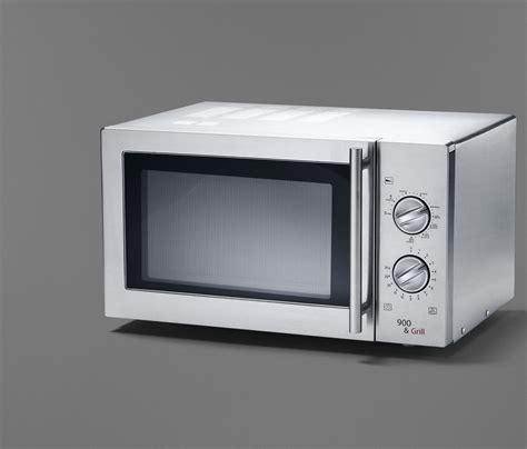pizza in der mikrowelle mit grill selbstgemachte pizza aus der kombi mikrowelle rezept mit bild