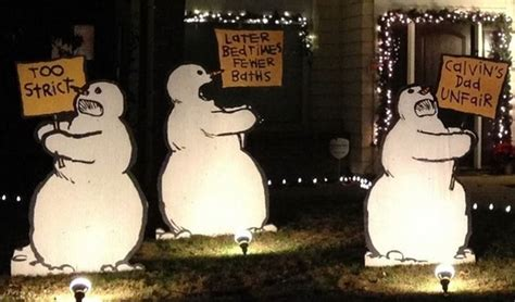 10 Of The Most Funny Christmas Decorations Ever