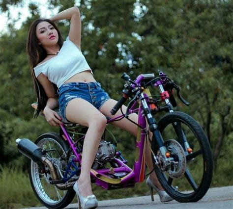 Gambar Cewek Naik Motor Fu by Foto Model Cantik Motor