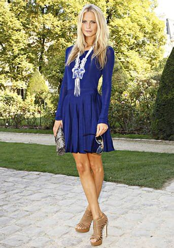 what color shoes to wear with royal blue dress what color shoes to wear with a royal blue dress