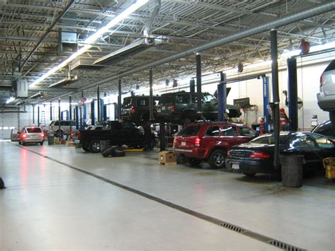 Repair Shops by 7 Things You Ll Find In A Auto Shop In Manchester