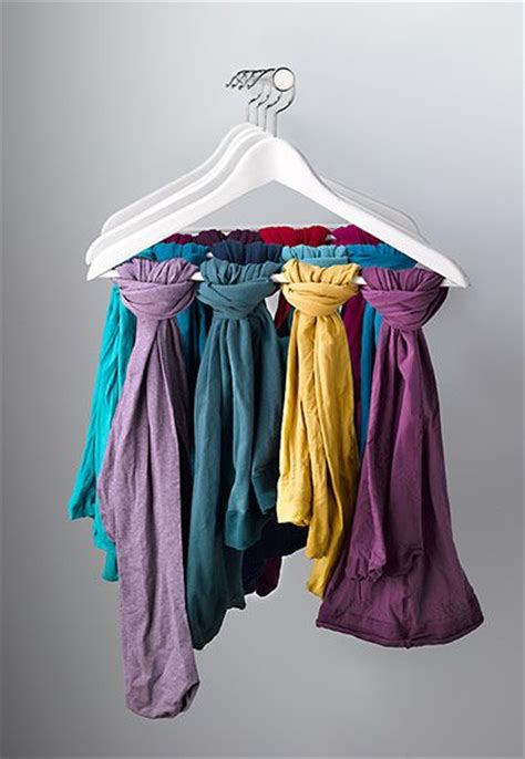 comment ranger les foulards comment ranger ses foulards et 233 charpes