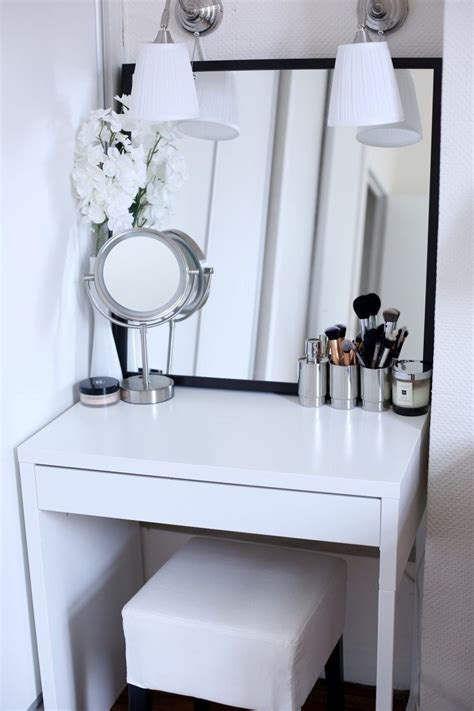 Small White Vanity by 7 Inspiring Exles Of Makeup Dressing Tables For Small