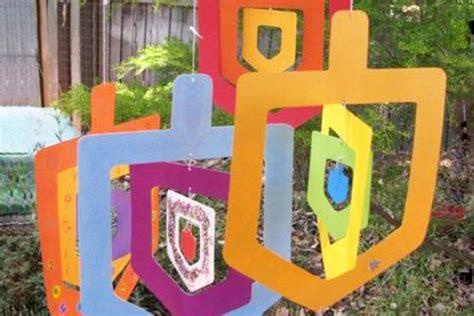 13 hanukkah crafts for parentmap 134 | 1112 hanukkah dreidelmobile