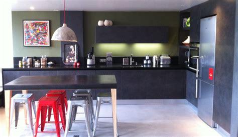 table cuisine contemporaine design cuisine moderne de style industriel modèle arpège
