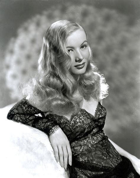 Veronica Lake, Early 1940s Photograph By Everett