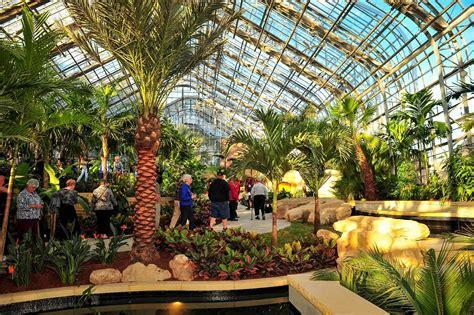 laurtizen gardens  omaha    greenhouse  nebraska
