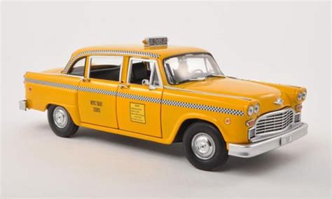 Checker Taxi Cab NYC Taxi Friends 1977 Greenlight diecast ...