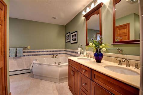 23  Four Seasons Bathroom Designs, Decorating Ideas