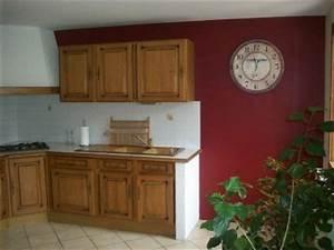 Quelle Couleur De Mur Avec Des Meubles En Chene : cuisine couleur bordeaux cuisine rouge plan de travail ~ Nature-et-papiers.com Idées de Décoration