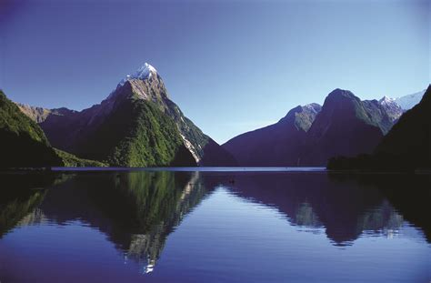 fiordland te anau milford sound doubtful sound south