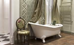 Sanitari e vasche da bagno in stile sbordoni