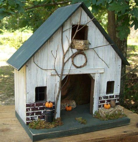 Primitive Barb House Birdhouse Saltbox