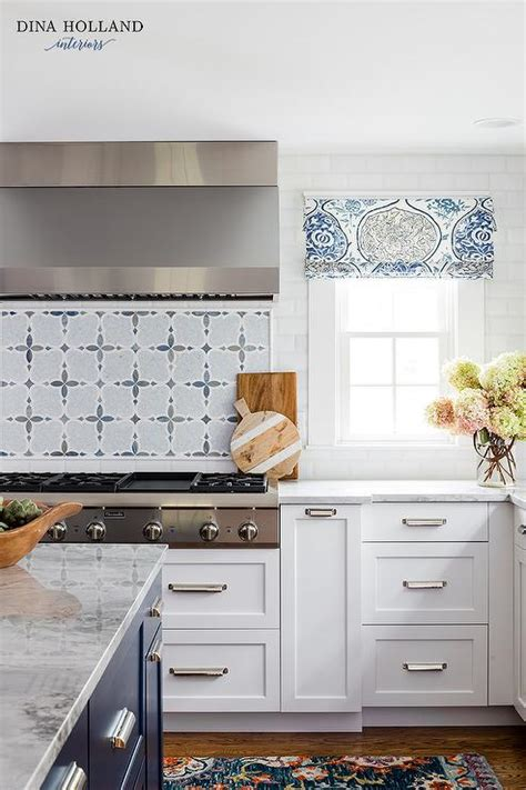 white  blue mosaic cooktop backsplash tiles