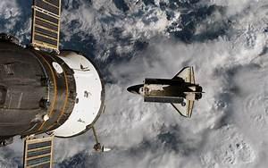 Space Shuttle Atlantis ISS Sojus Raumfähre Raumkapsel ISS ...