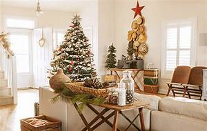 Try, Decorating, For, Christmas, With, A, Theme, This, Year