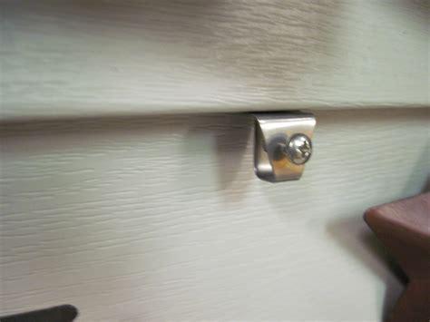 2 low profile w screw vinyl siding hangers no hole hook ebay
