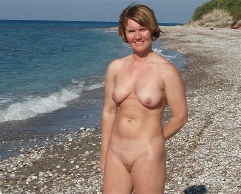 Milfmoms In Gallery Nude Beach Milfs Picture Uploaded By Voyeur Red On