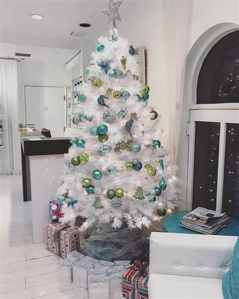 ethereal white christmas tree decoration ideas
