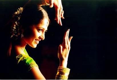 Anushka Shetty Bollybreak