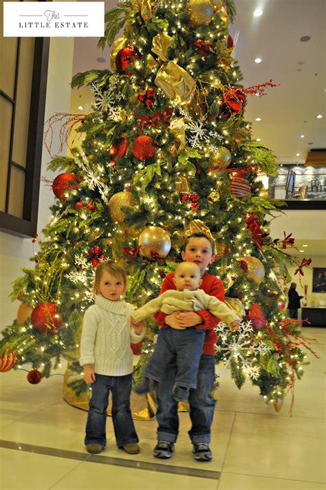 childrens christmas tree decorations around christmas tree 5216
