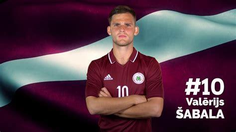 Latvijas futbola izlase pirms spēles pret Portugāli - YouTube