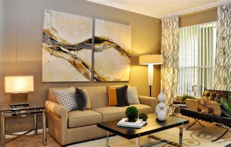 peinture chambre romantique cadres photos dessins et tableaux 30 idées de déco murale