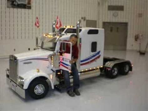 small kenworth trucks camion miniature kenworth products i like pinterest
