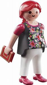 Playmobil launches Fi?ures Series 3
