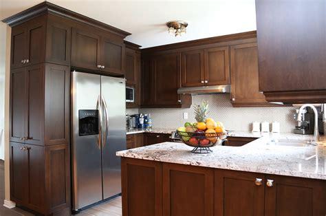 changer porte armoire cuisine portes d 39 armoires castel pour cuisine et salle de bain