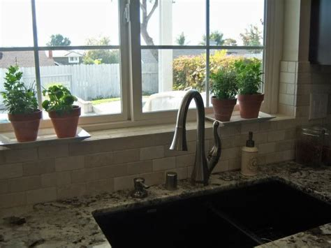 how to tile a kitchen window sill 33 best images about bathroom ideas on 9583