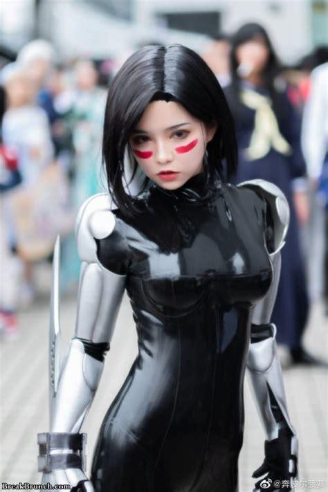 stunning cosplay pictures  alita battle angel