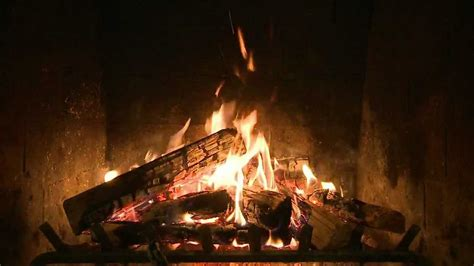 Animated Yule Log Wallpaper - yule log fireplace from creativelive