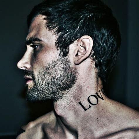 tatouage  homme  motifs de tatouages  pour les hommes